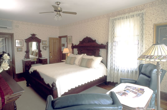 insideroom1abig-resized-600